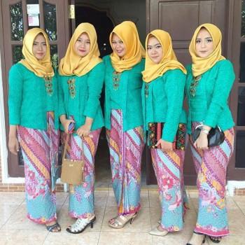 model-kebaya-muslim-hijau-1-350x350